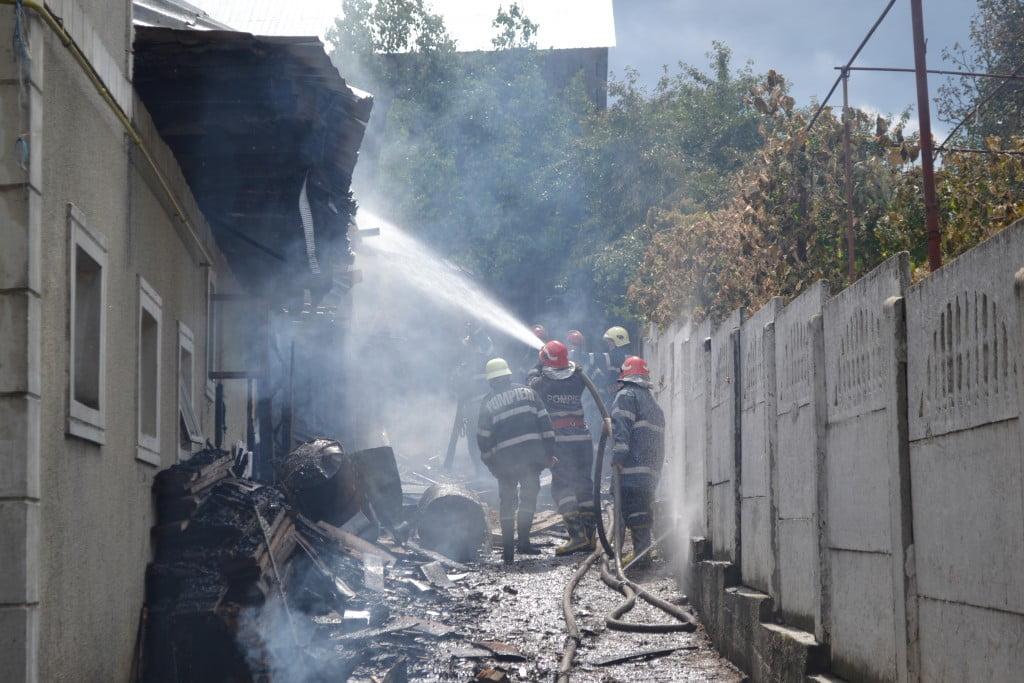 incendiu pompieri (4)