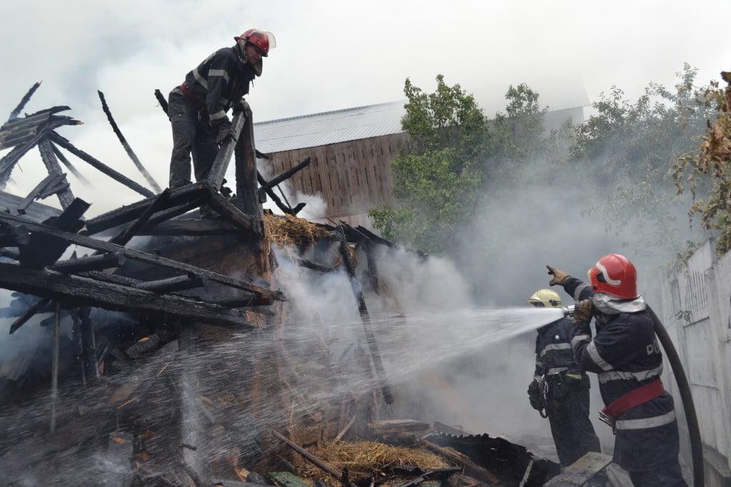 incendiu pompieri (6)
