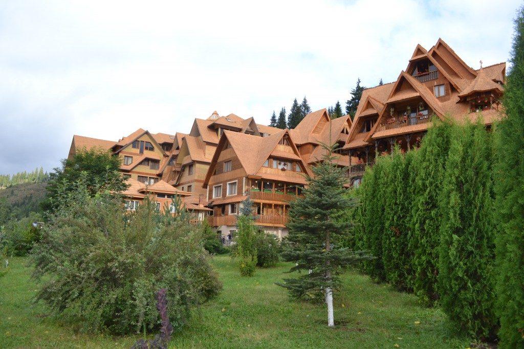 complex monahal dorna arini