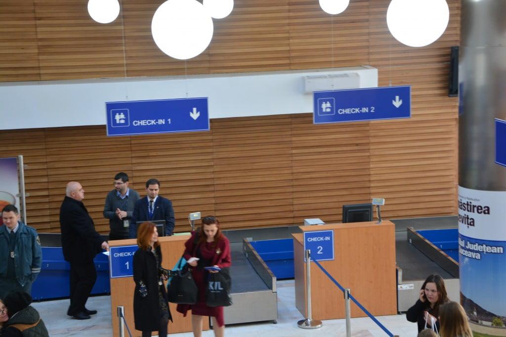 aeroport avion tarom (1) invazia