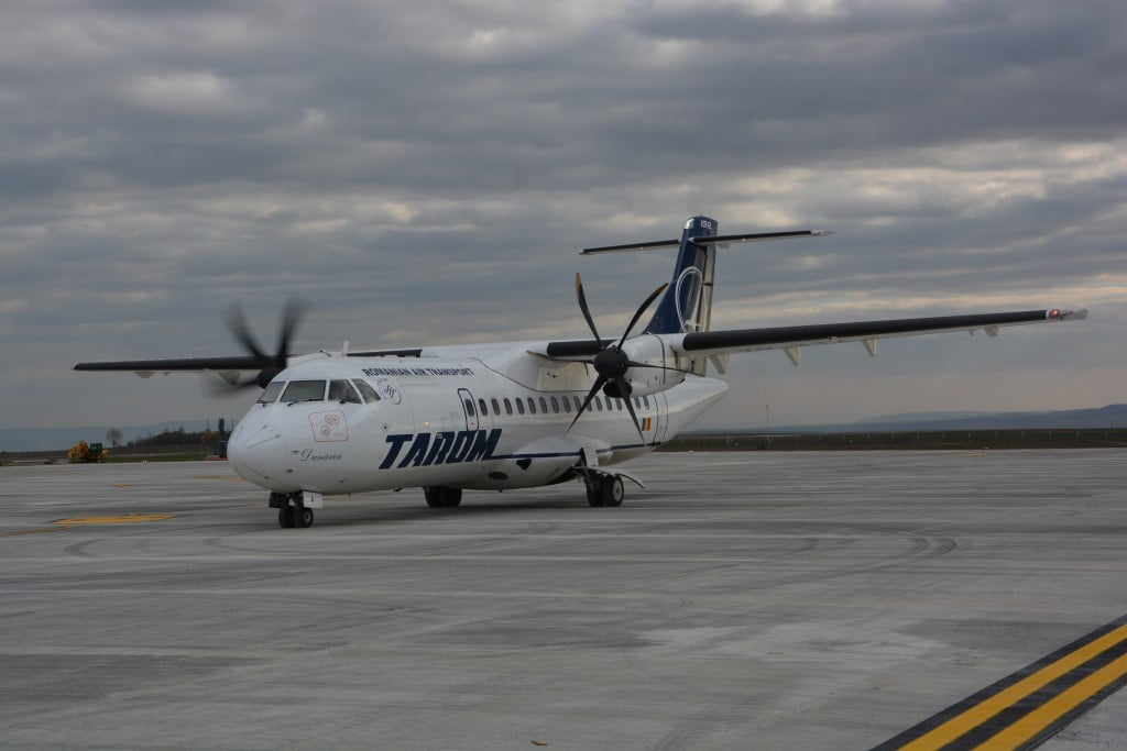 aeroport avion tarom (32)