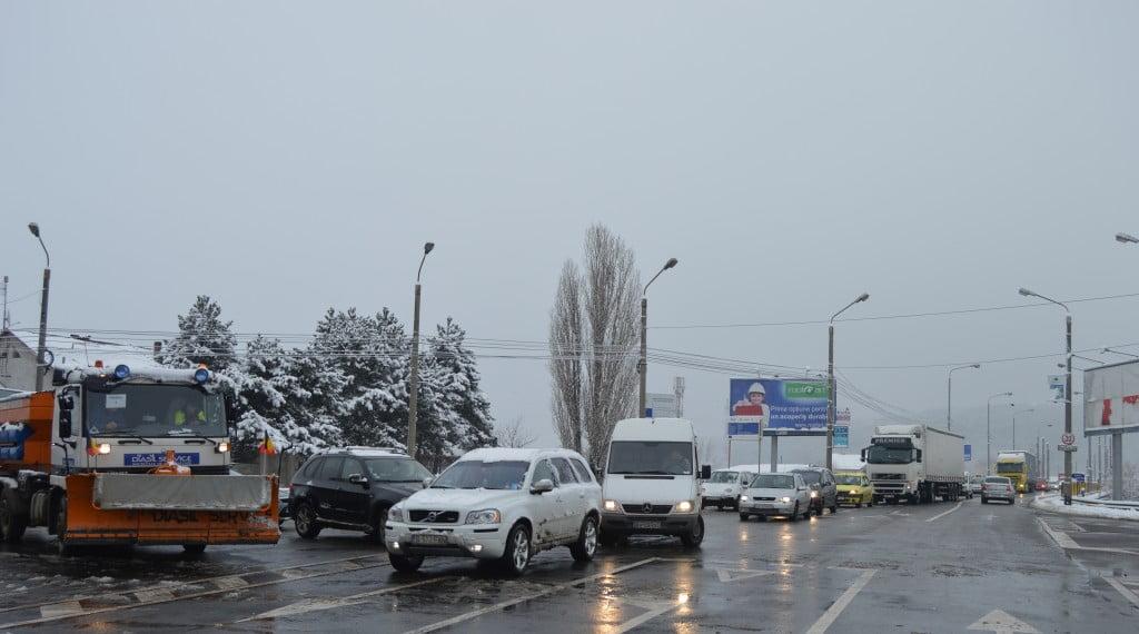 trafic - masini - iarna - pod itcani