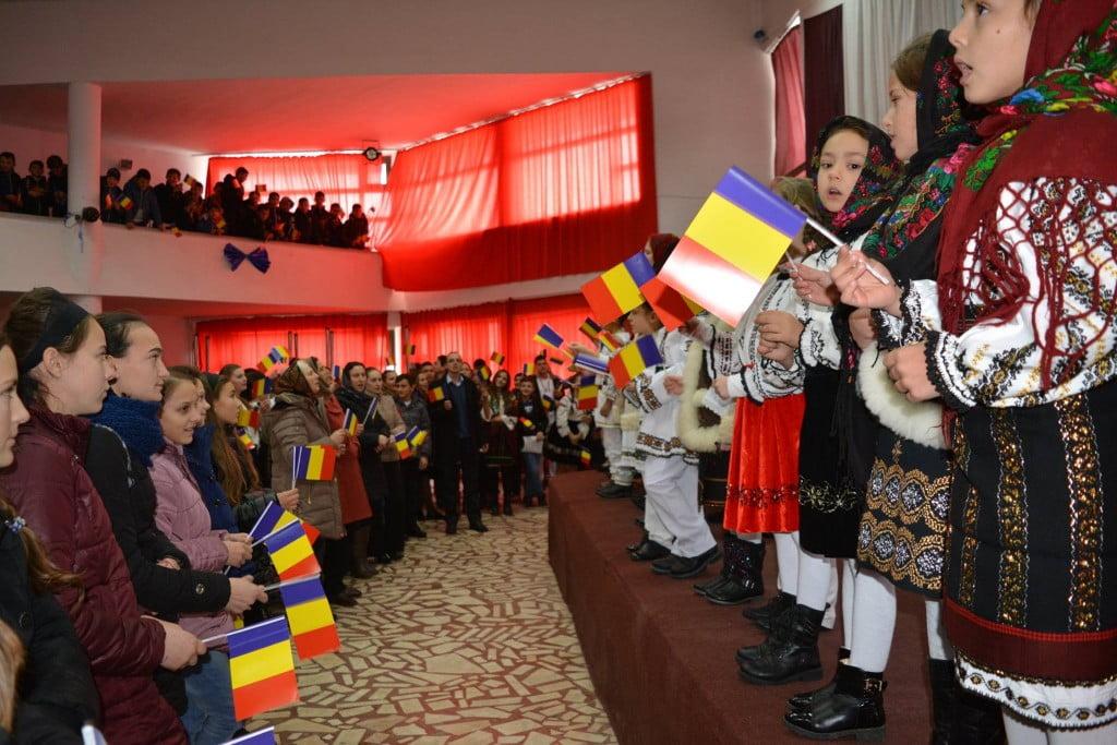 1 decembrie la Liceul Cajvana (2)