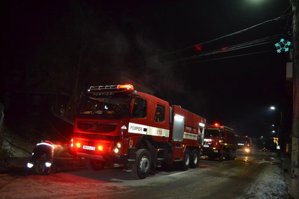 pensiune incendiu pompieri noaptea