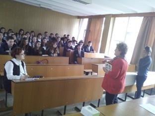 elena oanea la Colegiul Dimitri cantemir (1)