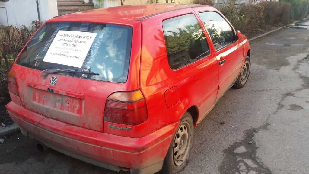 masina fara numar, parcare ilegala (1)