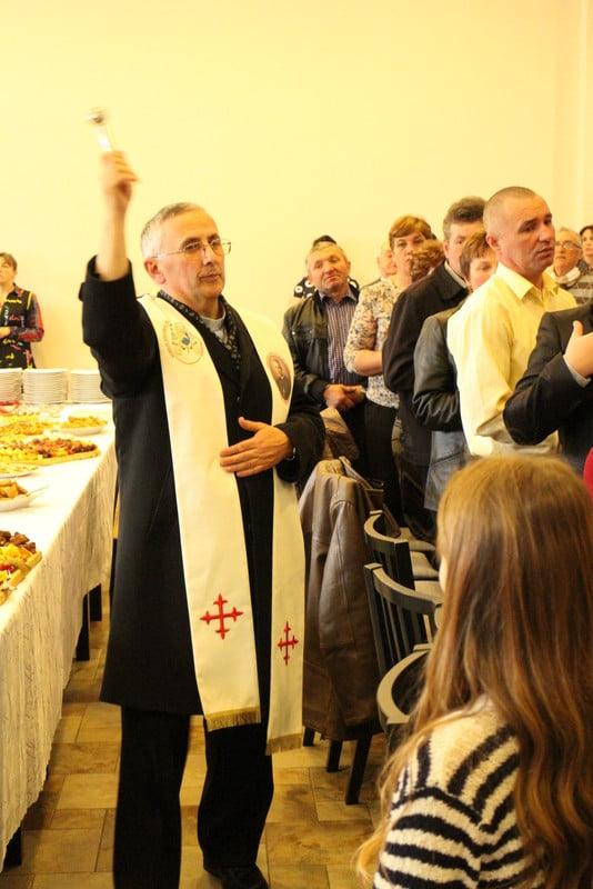 polonezi, impartirea cu oul sfintit