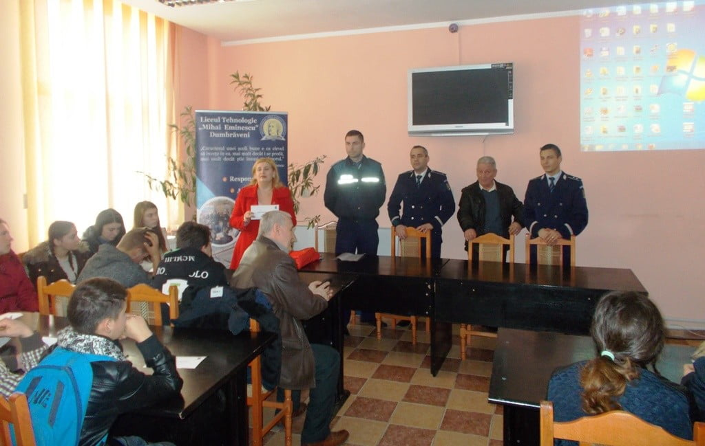prevenirea violentei in scoala Liceu Dumbraveni
