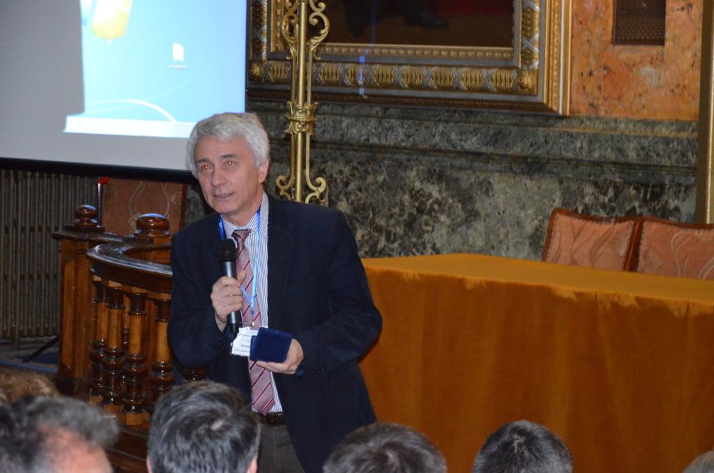 Prof Ionescu Romeo mentorul si  insotitorul echipei USV la ZEM 2016
