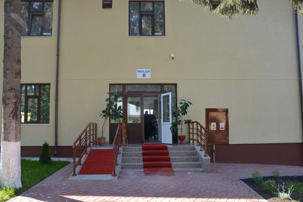 Todiresti centru nechifor adomnitei batrani bolnavi spital salon (12)
