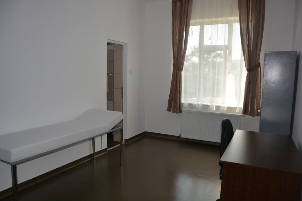 Todiresti centru nechifor adomnitei batrani bolnavi spital salon (43)