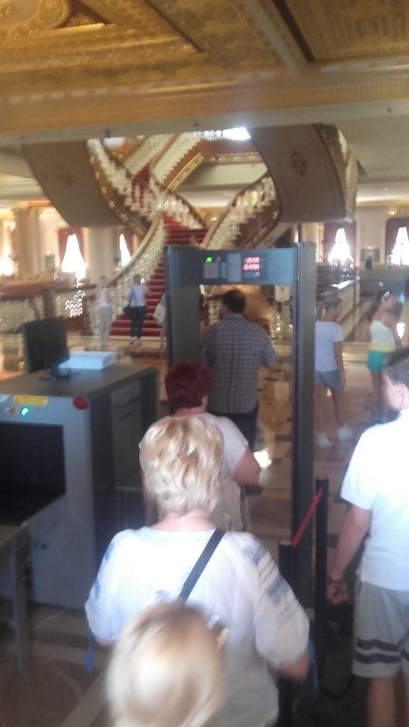 detector metale intrare hotel antalya
