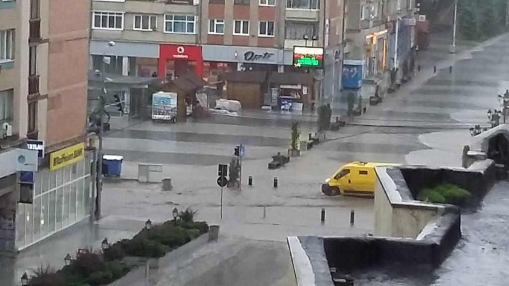inundatii centrul Sucevei