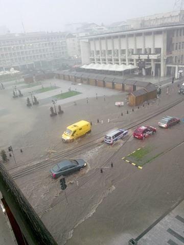 ploaie, inundatii centrul Sucevei (1)