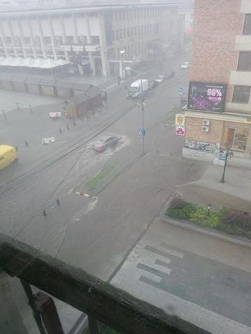 ploaie, inundatii centrul Sucevei (4)