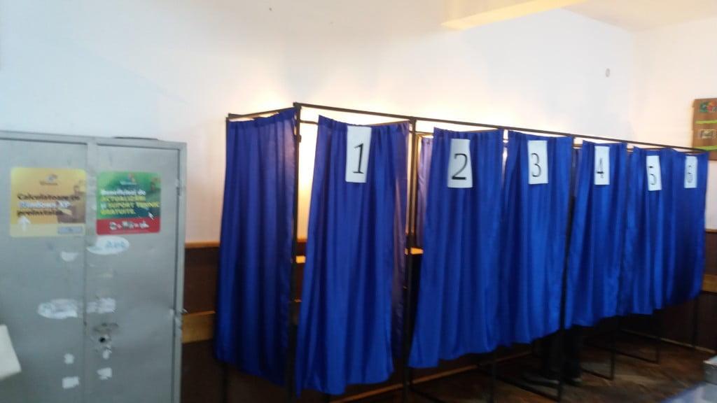 cabine vot, sectie votare, alegeri