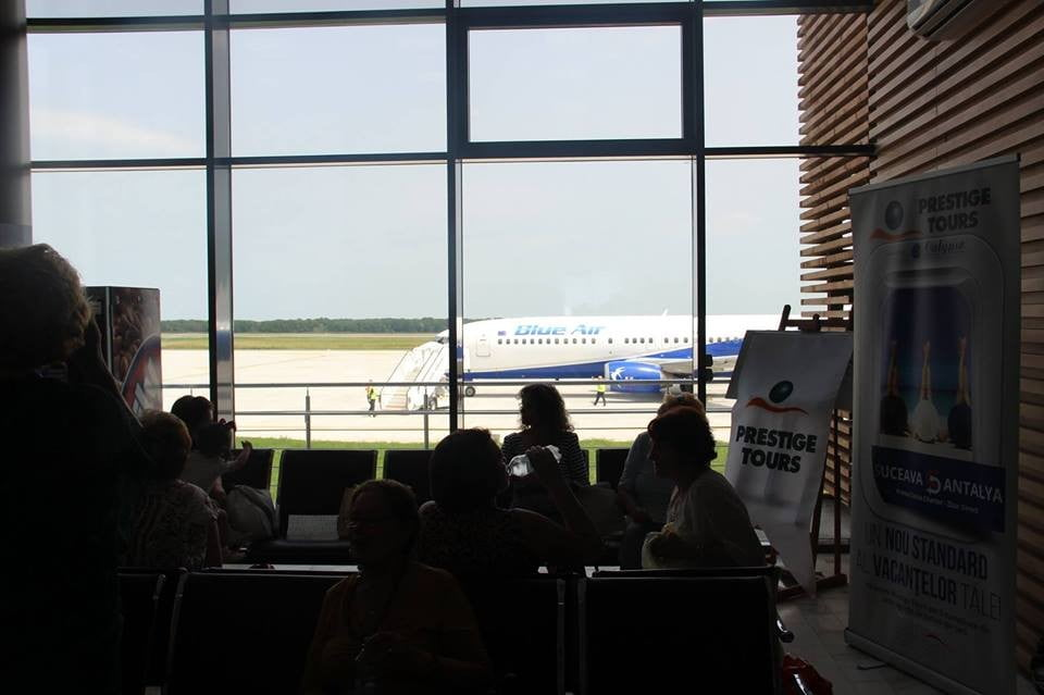 aeroport blue air pasageri check in (4)