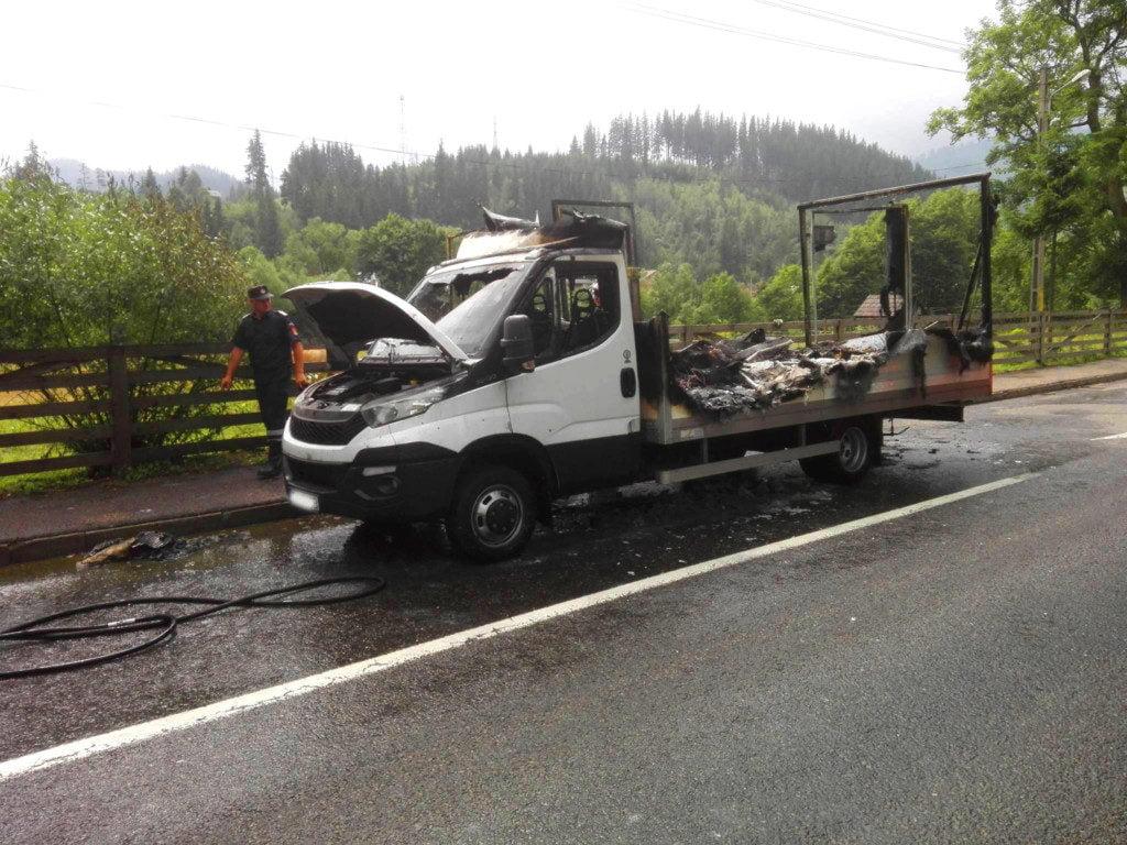 autoutilitara remorca incendiu isu masina dn 17 (3)