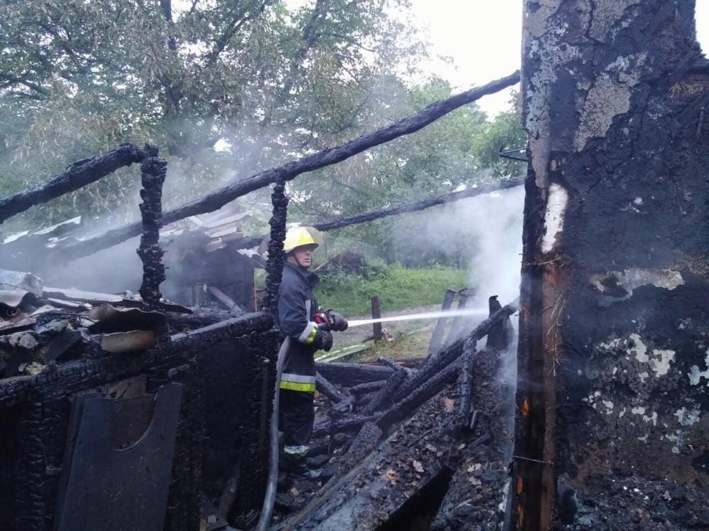 incendiu Dragoiesti noaptea, pompieri (33)