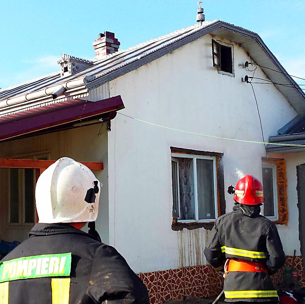 incendiu acoperis isu (5)