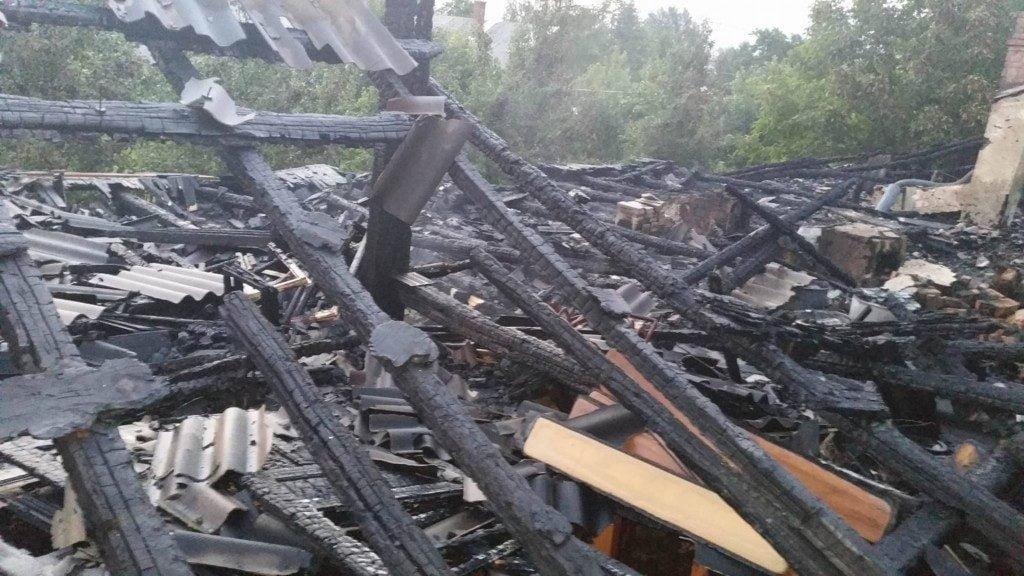 incendiu casa pompieri isu (2)
