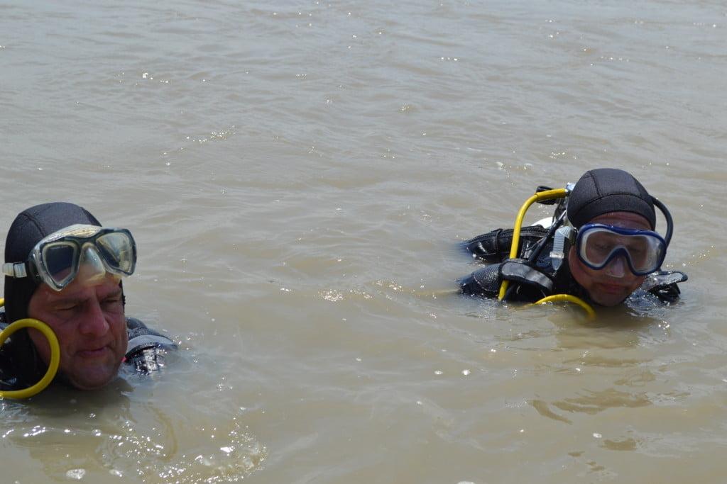 rau inecati isu barca suceava pompieri scafandri (66)