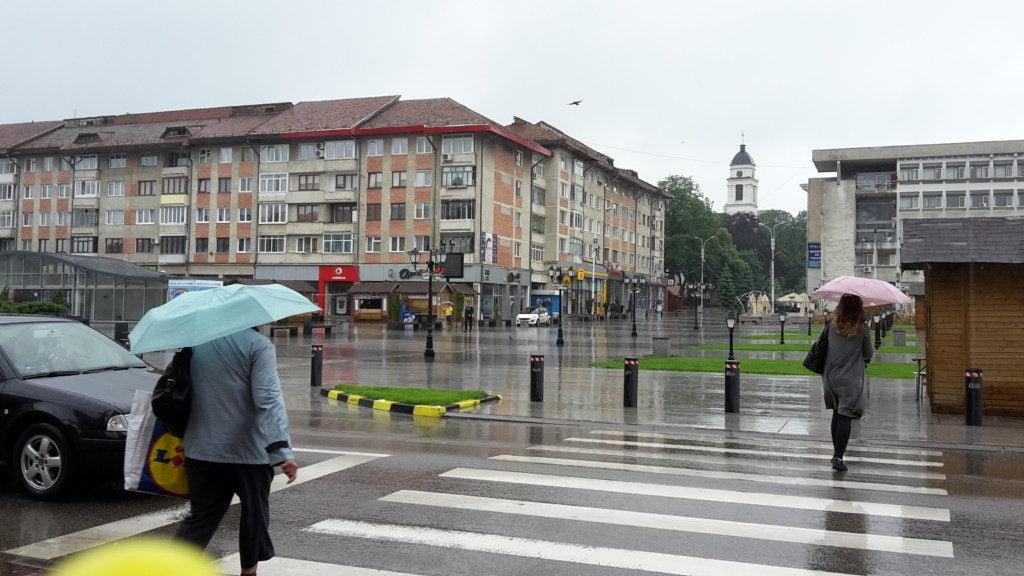 trecere pietoni, umbrela, ploaie, pietoni (2)