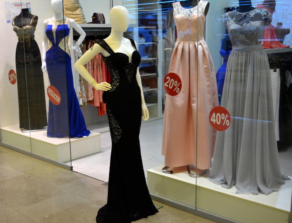 ținute De O Eleganță Desăvârșită în Magazinele Din Iulius Mall Suceava