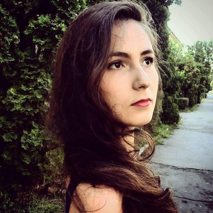 """Andreea Nistor - Colegiul Național """"Petru Rareș"""""""