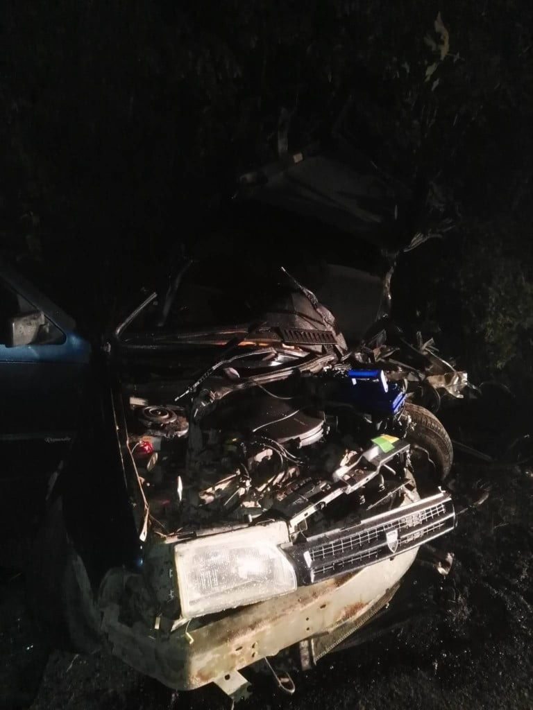 accident Straja, masina rasturnata noaptea (5)