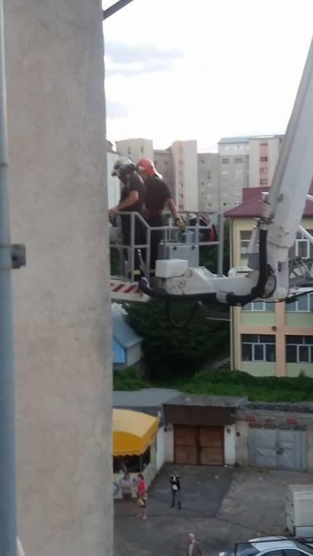 pompieri, deblocare usa apartament (1)