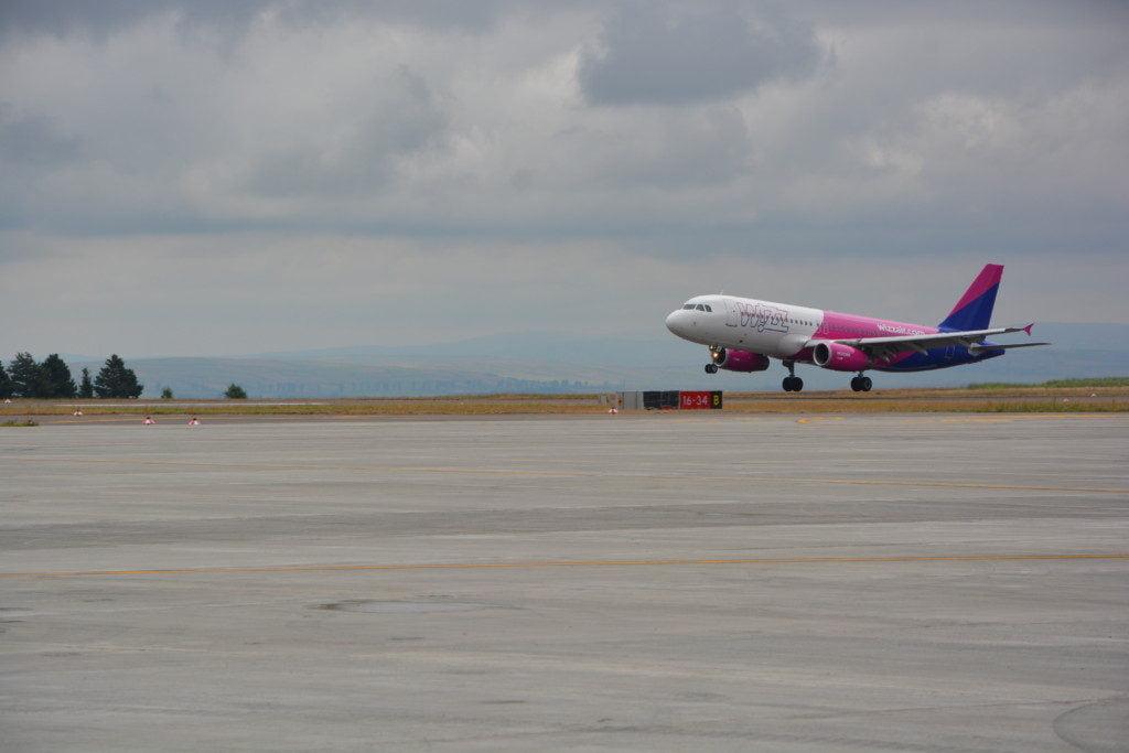 Flutur wizz avion dansatori buciume (51)