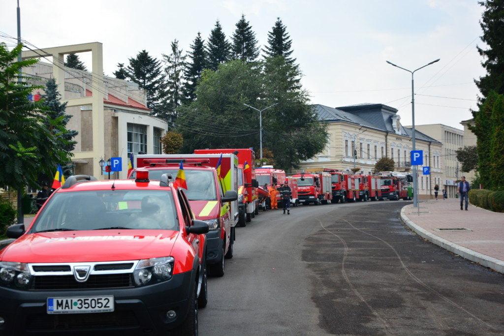 pompieri-isu-burlui-arafat-drapel-barca-2
