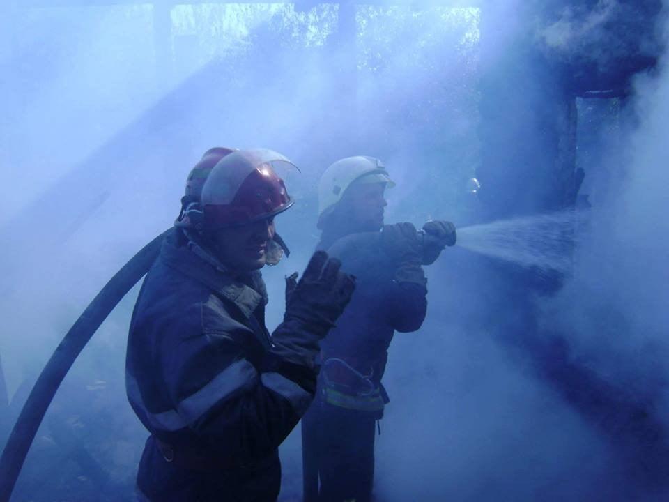 pompieri-incendiu-capu-codrului-2