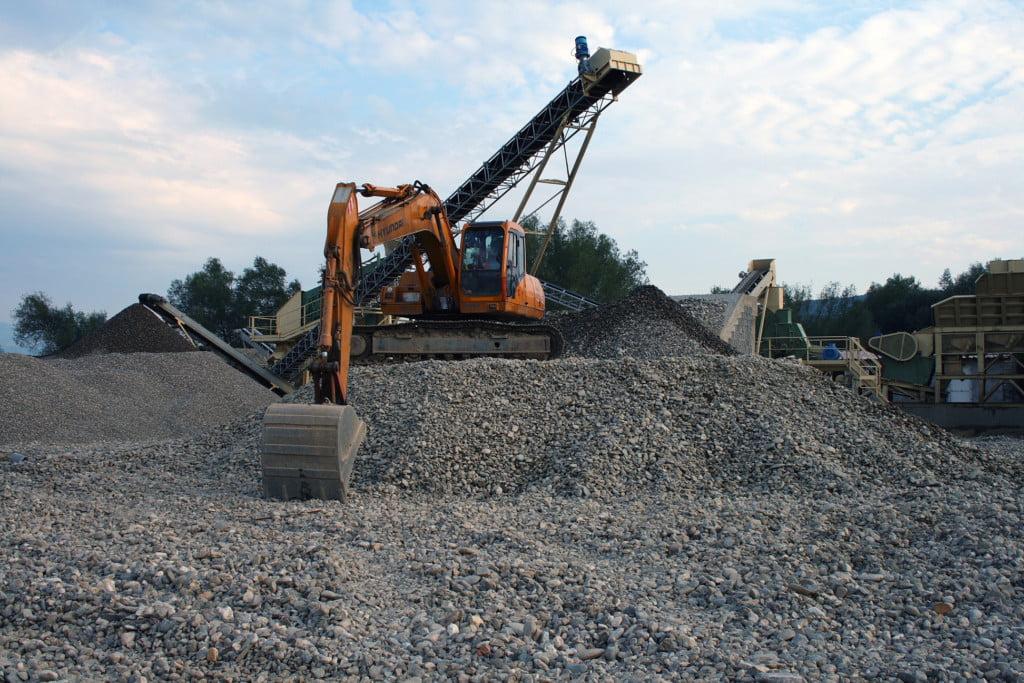 escavator prundis