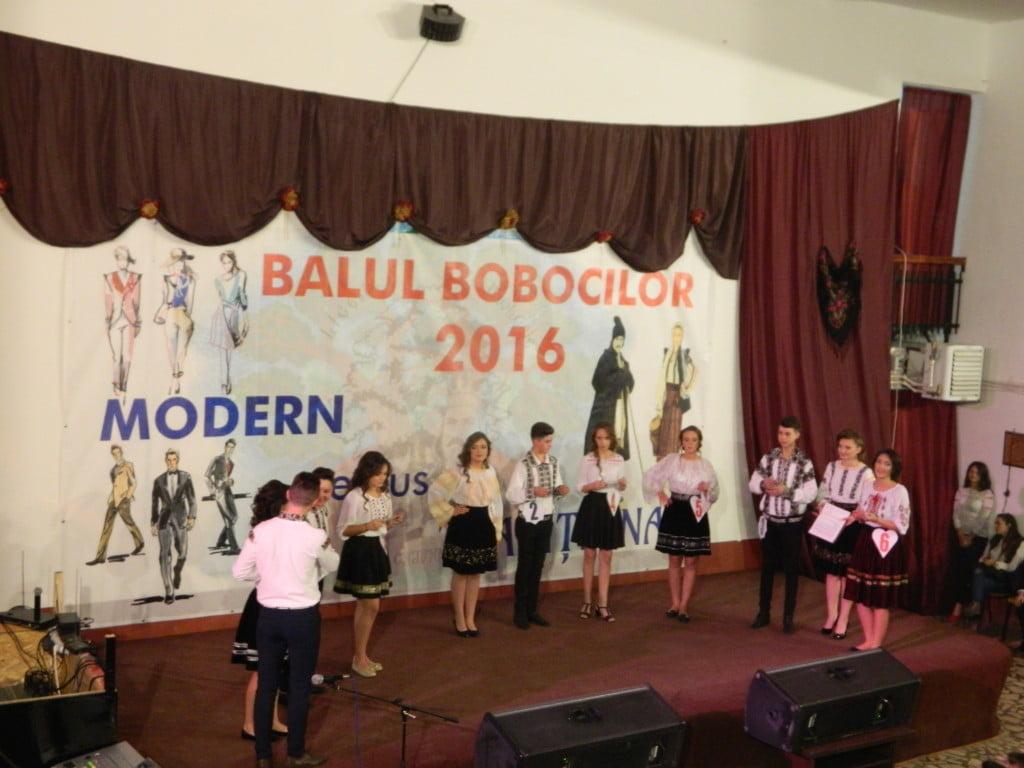 balul-bobocilor-liceul-tehnologic-cajvana-7