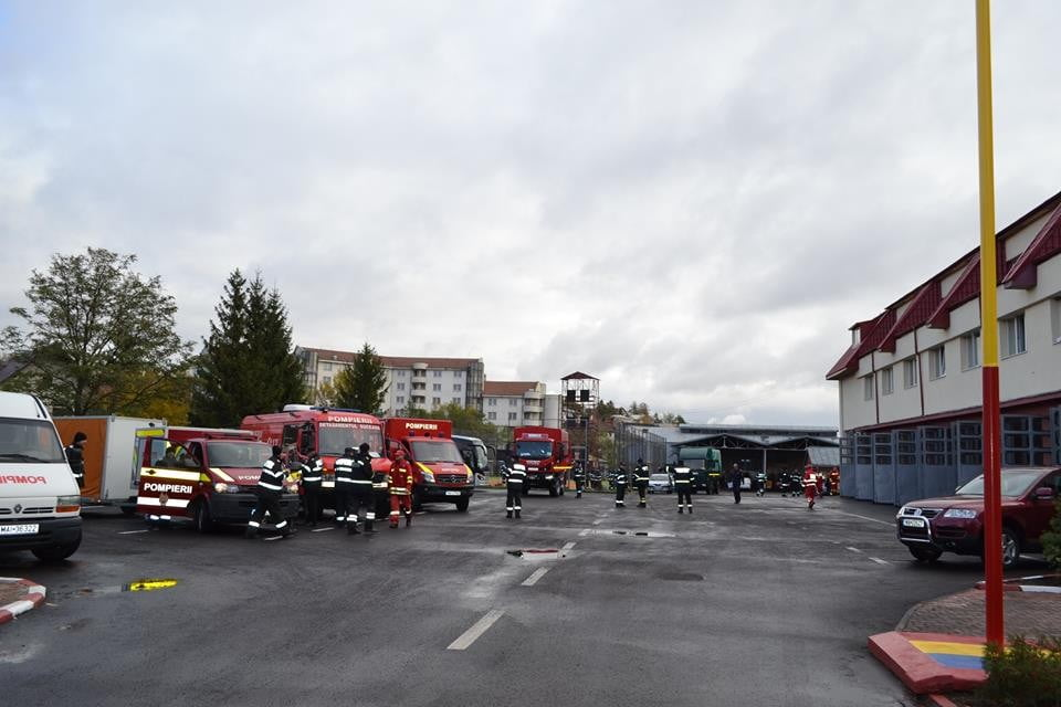 pompieri-interventie-seism-1