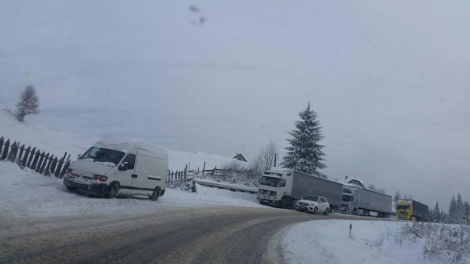 blocaj-masini-camion-tir-zapada-viscol-ninsoare