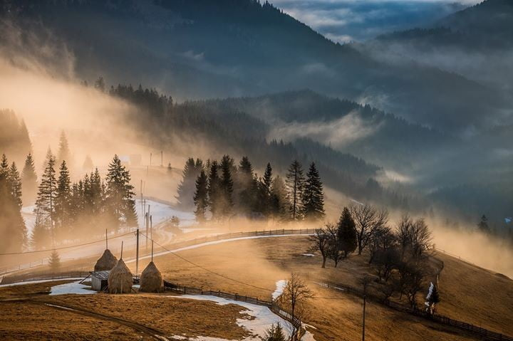 Peisaj Bucovina foto Catalin Urdoi