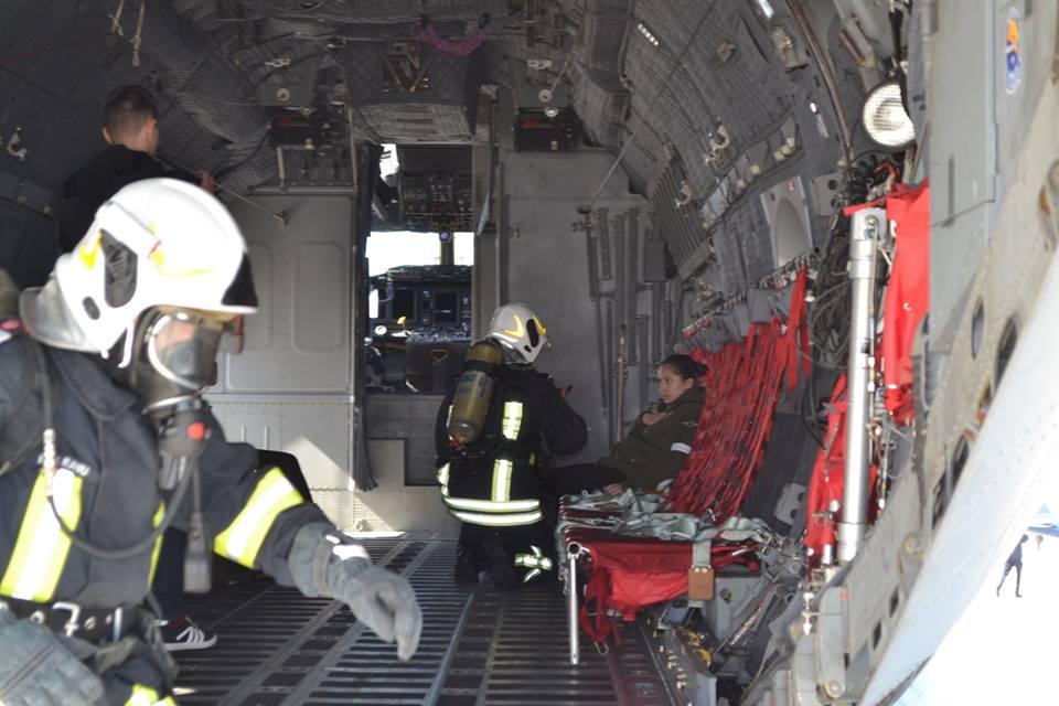 Imagini pentru Incendiu la o aeronavă, urmat de coliziunea cu un aparat de zbor, scenariul unui exerciţiu al ISU, la Aeroportul din Suceava